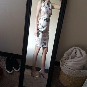 💕 BEAUTIFUL Calvin Klein Dress !💕
